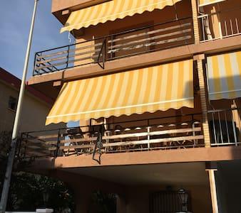 Alquilo bungalow grande en Mareny de Barraquetes - Bega de Mar - 小平房