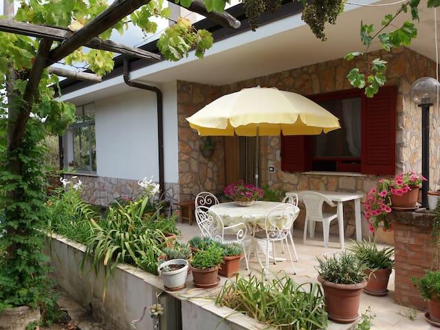 Villa Lilia, Maison in bloom