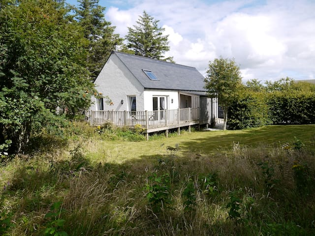 Blossom Folly - Luxury Self Catering Cottage