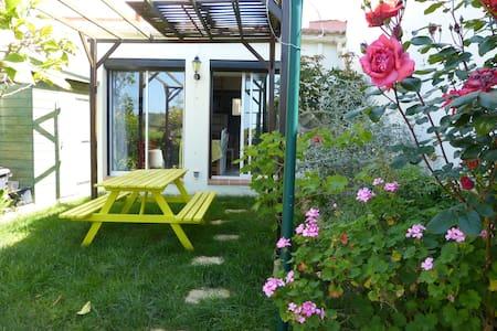 Mini villa dans residence a Bastelicaccia - Bastelicaccia - House