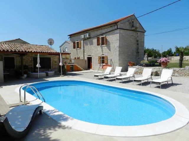 Villa Marinela - Krnica - House