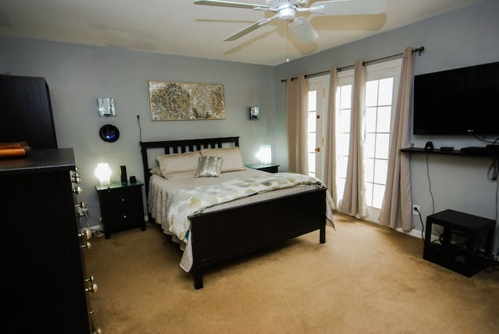 Hyde Park Village Master Suite with attached bath