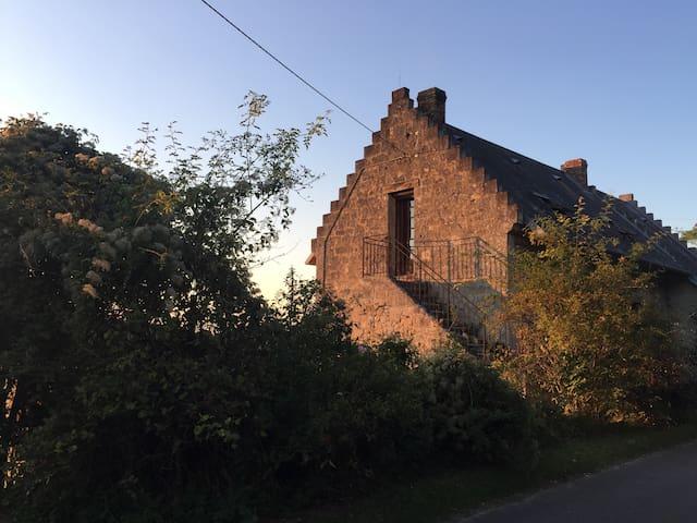 Maison typique du Soissonnais, calme et vue.