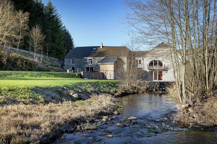 Gemütliches Ferienhaus in Gedinne in Waldnähe