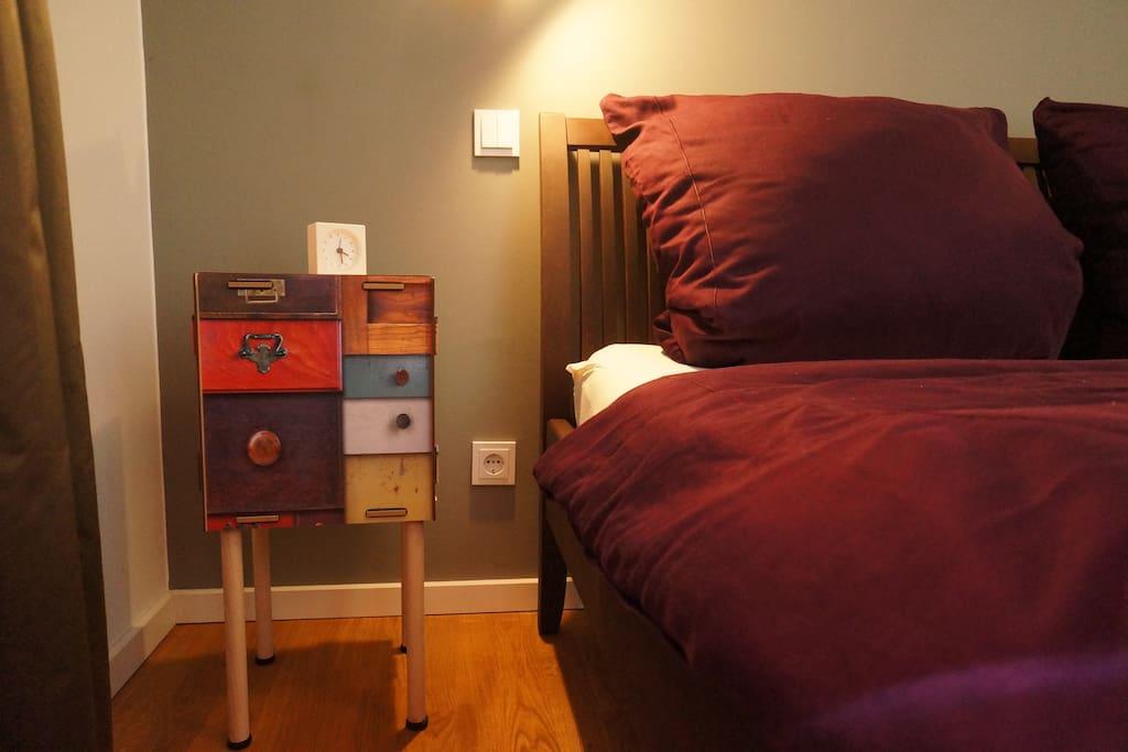 Die kleinen Details machen die Wohnung so gemütlich, trotz stylischer Einrichtung.