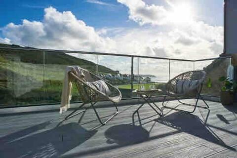 Angel Rock Woolacombe…beach & surf view terrace