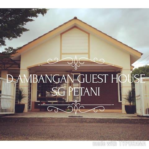 HOMESTAY D AMBANGAN GUEST HOUSE