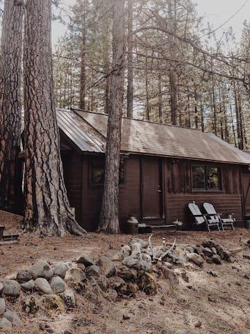 "Cabin ""Two"" at Bar L Ranch"