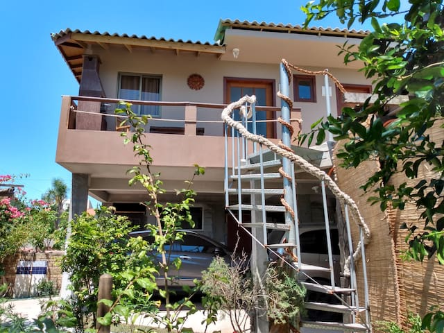Essência da Guarda - Surf House  - Suite Guardinha