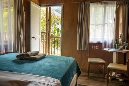 Enjoy the peace of Colibri Cabin, double room