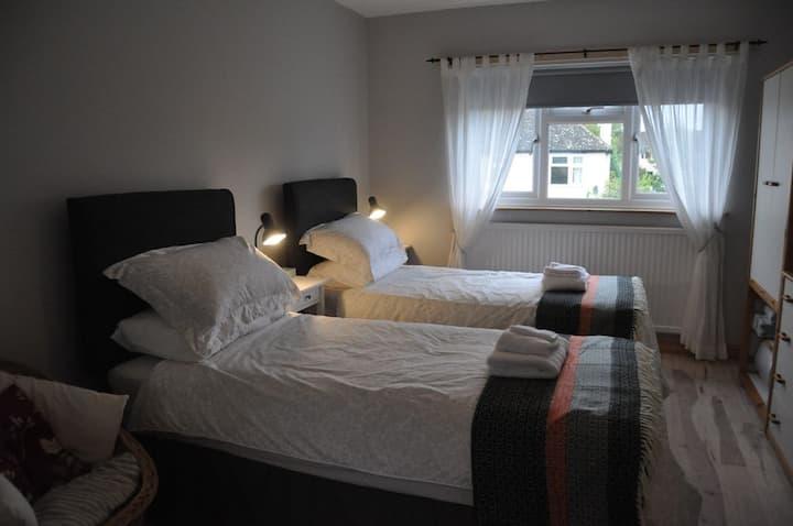 The Old Music Studio ensuite twin/double bedroom