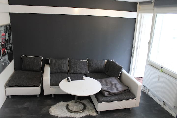 furnished, modern, bright - Pinneberg - Osakehuoneisto