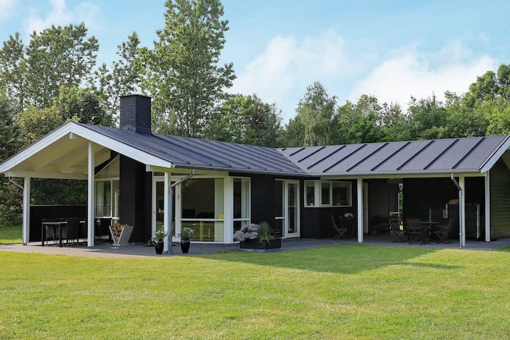 Tranquil Holiday Home in Højslev With Lawn