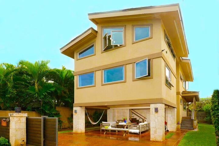 Paia Beach Luxury Home, 10 Steps White Sandy Beach