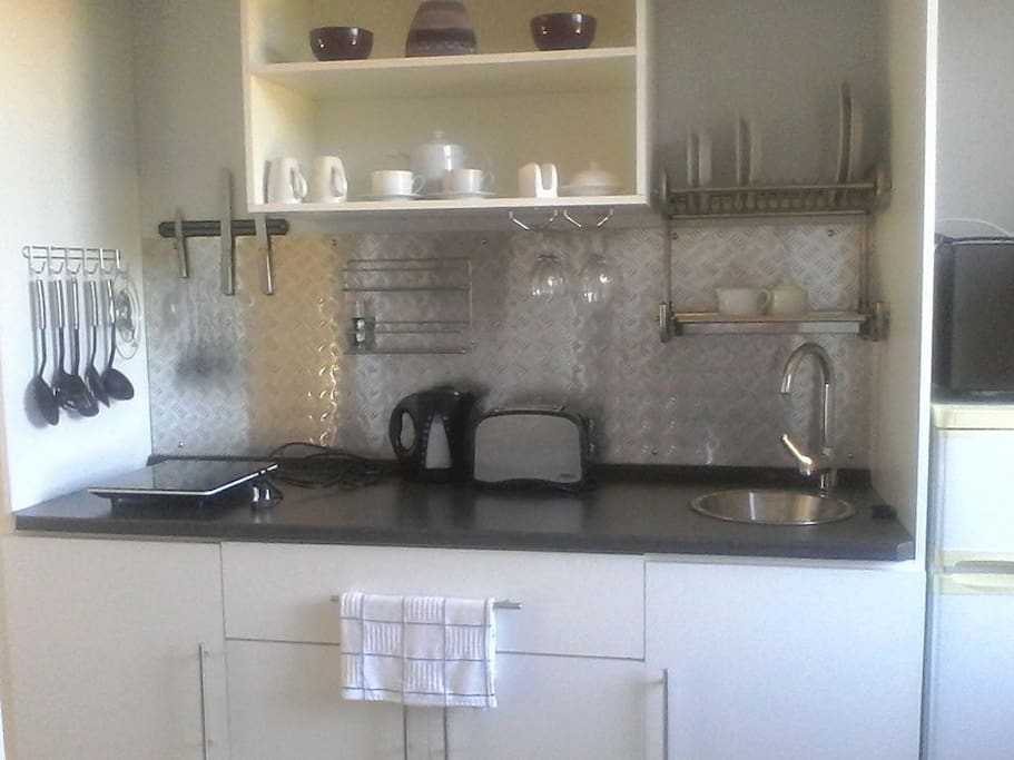 Well equipped kitchenette for light self catering