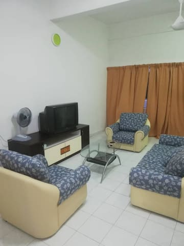 Cempaka homestay at Parit Raja Town 0127218858