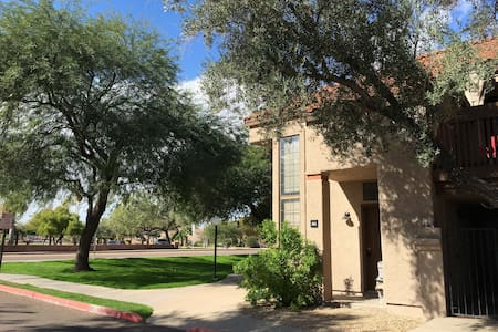 Great location! Tempe/Scottsdale/ASU Townhouse