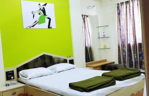 Private Couple friendly AC room. Fully furnished.