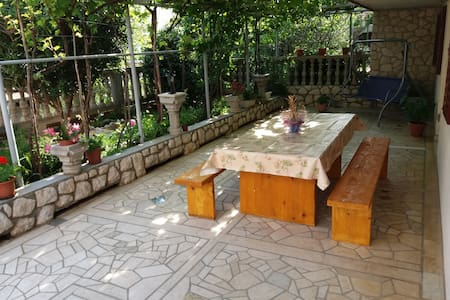 Apartman Tuzlak, with big terrace - Povile