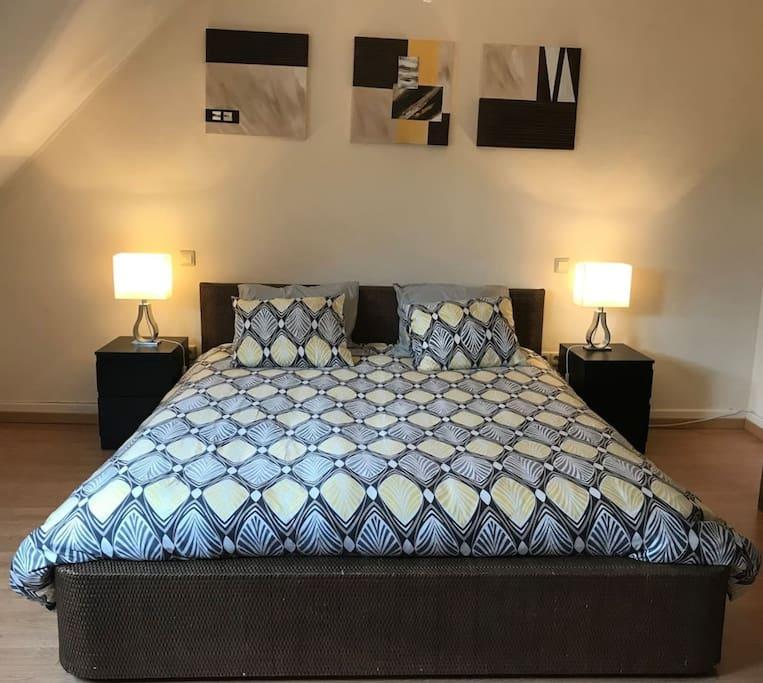 Chambre confortable et spatieuse pour deux appartements for Chambre luxembourg