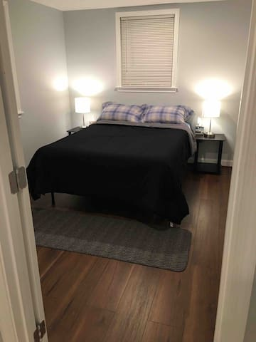 Comfy and spacious private room near DC!