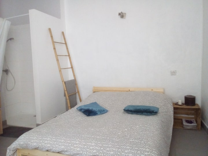 Room with private bathroom in house, city center
