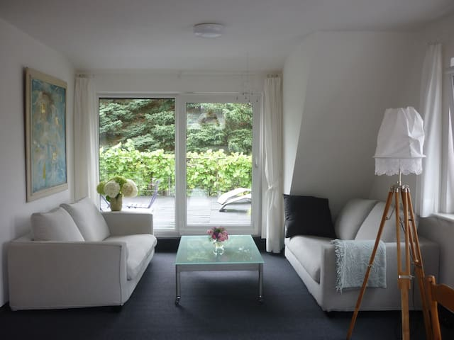 Cosy flat with sunny terasse near RUB University - Bochum - Apartment