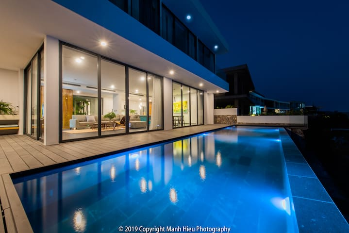 Casa Blanca Villas - Ocean Front & Infinity Pool