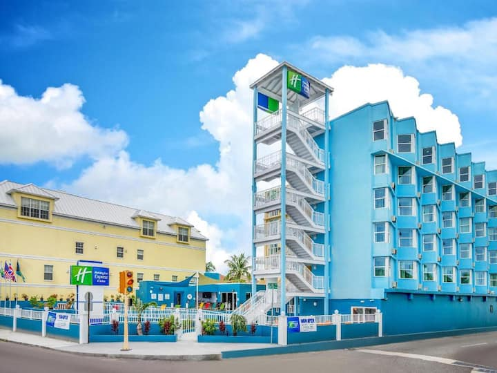 Holiday Inn Express & Suites Nassau Bahamas