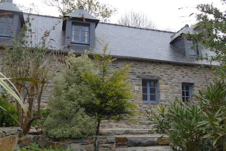 Über den Dächern von Traou Meur - Trédarzec - Haus
