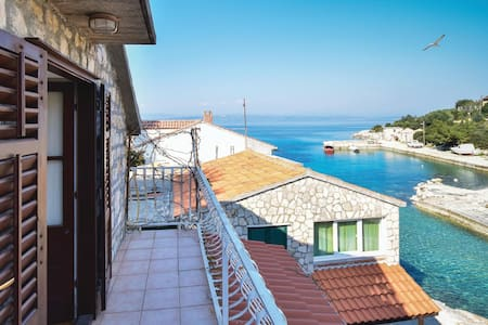 Holiday apartment with 1 bedroom on 40m² in Donja Krusica