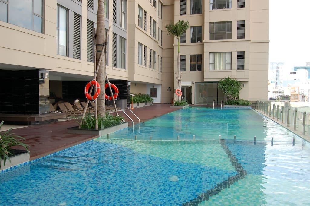 Swimming pool (Free)