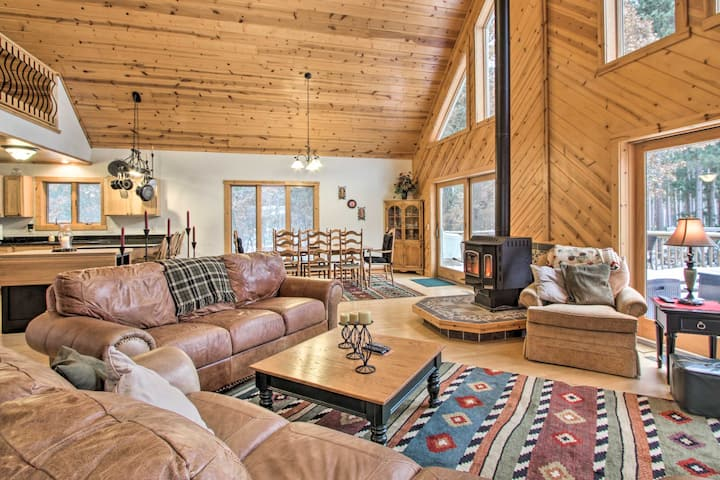 Exceptional Home 4.6 Miles to Tri-Norse Ski Club!