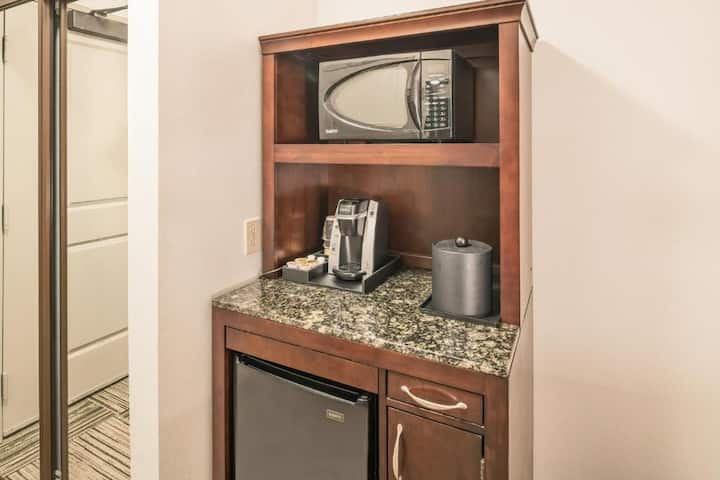 Warm Double Two Double Beds At Granbury Area