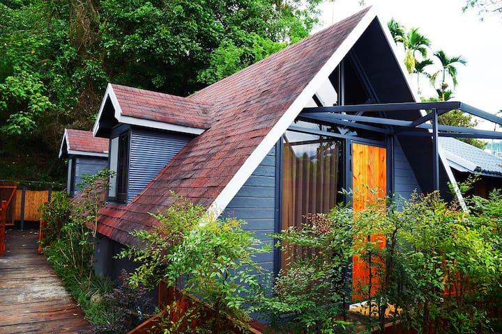 日月潭玥湖背包客讚民宿-渡假四人房(Wooden Cabin Family Room)