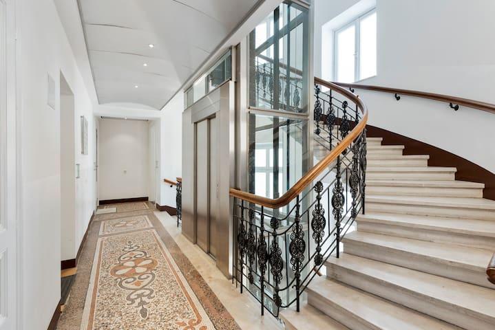 Premium 1 Bedroom Apartment Schottentor