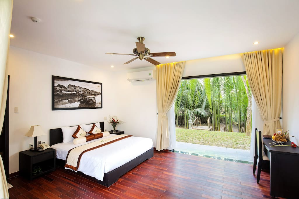 Deluxe Palm Forest View double bed