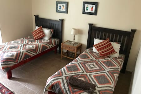 Cheetah Lodge - Bushmen's room