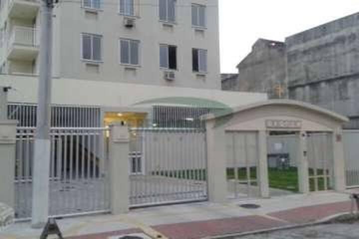 Apartamento de 2 quartos no coração de Niterói.