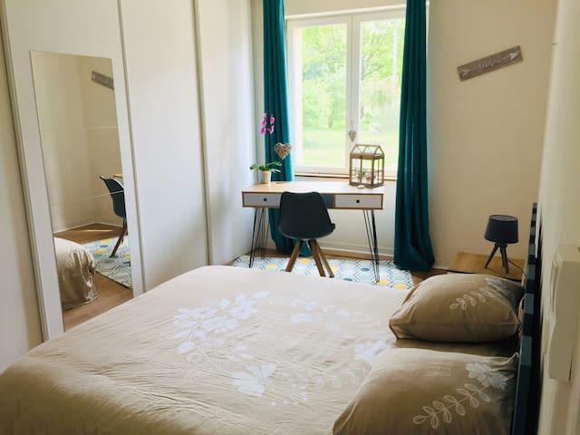 Chambre spacieuse & spa en pleine campagne