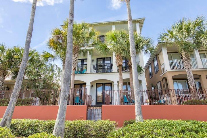 Gorgeous 4bd/4ba house on the pool, walk to beach