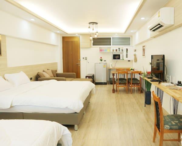 Family room Nr Pratunam mkt,Platinum,Airport Link