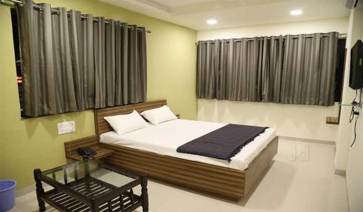 Hotel Dhruva, Solapur Deluxe Room Ac