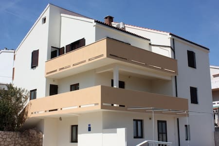 Apartment Lora - Pag