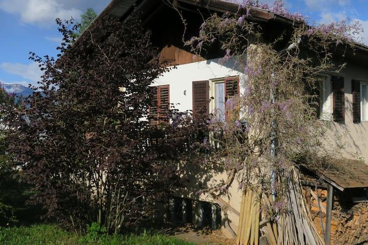 Appartamento spazioso in casa rurale con orto bio