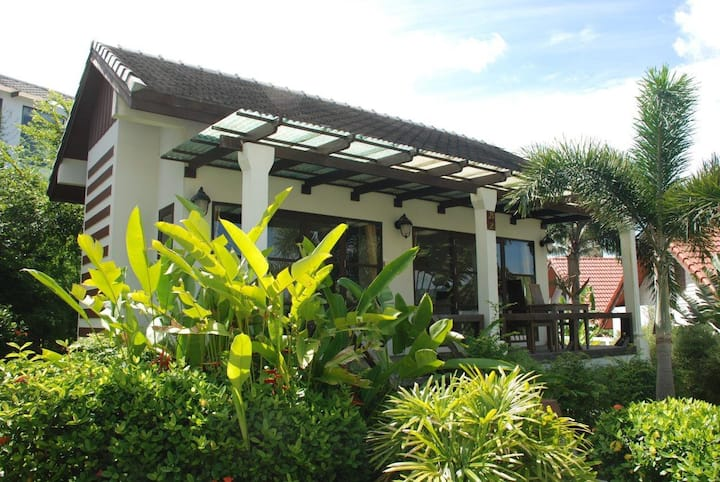 Hillside Village Resort - Studio Bungalow 1