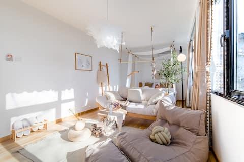 R16 [Rongfu Old House] Spring Feng Ten Mile Four Courtyard Queen Bed Room @ Walking distance to Nangonggu Lane Houhai & Jingshan Park & Beihai Park & Kyongwangfu & Yumiya