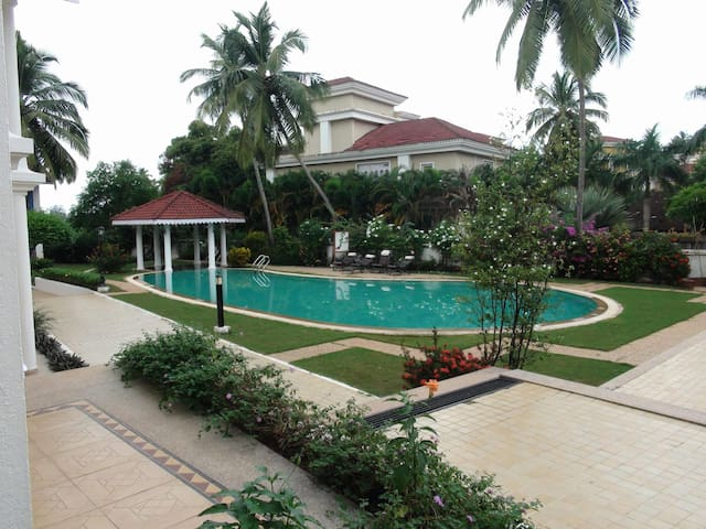 2 BHK Villa close to Betalbatim Goa - กัว - วิลล่า