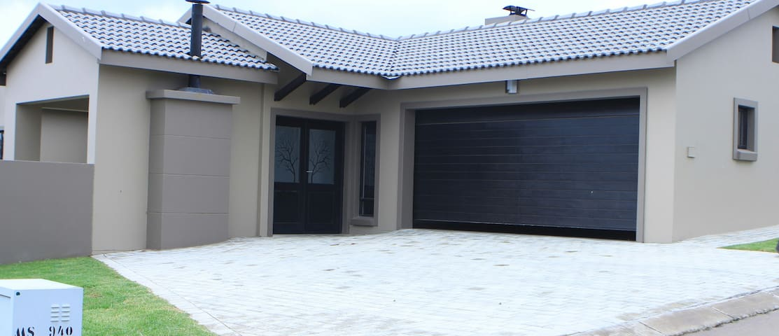 Modern 3 bed house - Barbaque Downs - Midrand - House