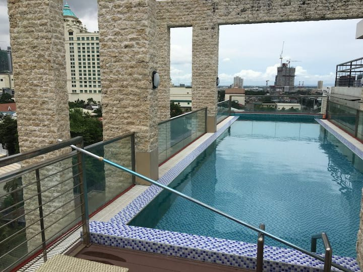 elegant 1 bedroom condo near ayala mall